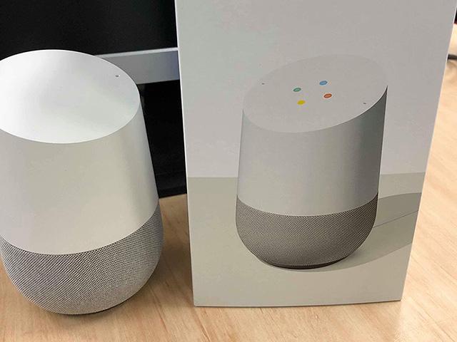 スマートスピーカー「Google Home」。廉価版の「Mini」もある