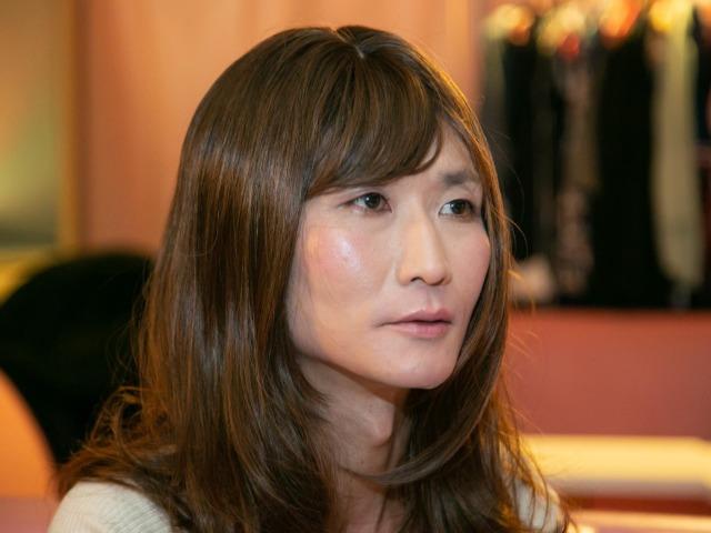 女装する小説家・仙田学さん(撮影:岩切卓士)