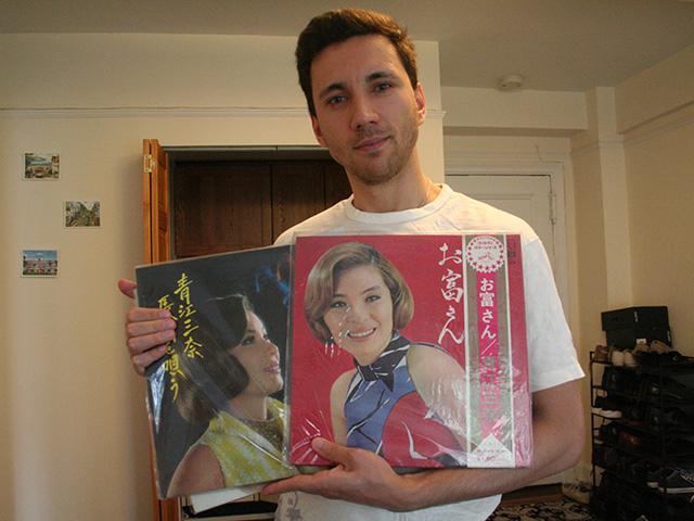 昭和の演歌と歌謡曲をこよなく愛するアルツロさんこと、アーサー・スチューキンさん