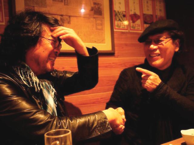 東京・新宿のやきとり屋で=2011年春、吉田類さん提供