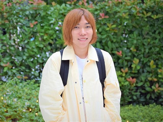 菊池良さん。新卒で入社したウェブ制作会社のLIGを退職後、ヤフーに転職。