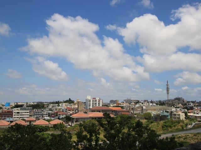 沖縄の街並み(Photo by Getty Images)
