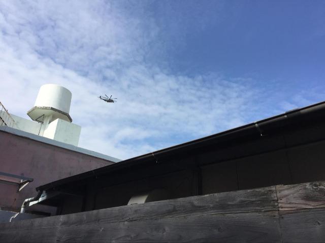上空にはいつものように米軍ヘリ