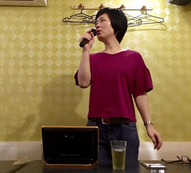 セルフタイマーで撮影(笑)。1時間、真剣に歌う