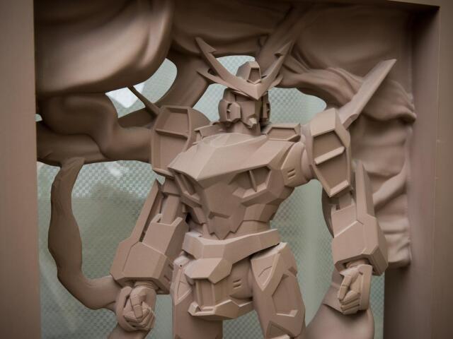 機動戦士ガンダムのデザイナー・大河原邦男さんがミナロのために描いた原画をもとに木型で作品化したキャラクター(撮影・斎藤大輔)