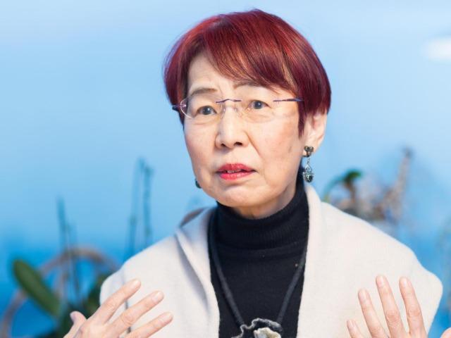 インタビューに答える上野千鶴子さん
