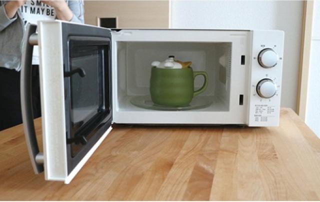 電子レンジにマグカップを入れるだけで簡単にお米が炊ける