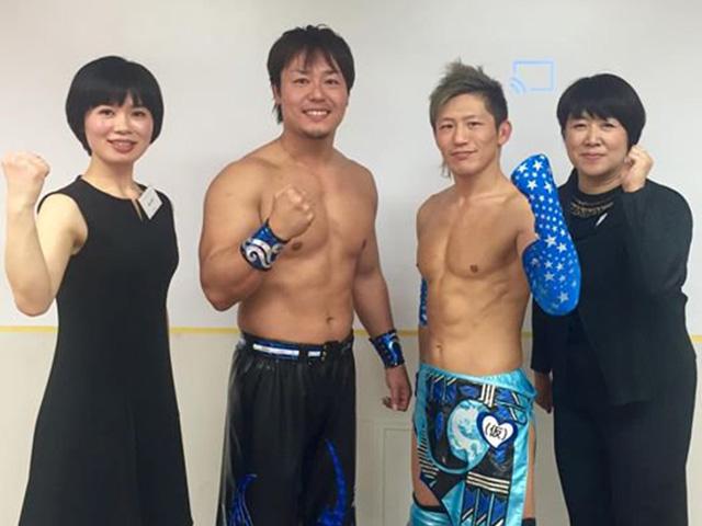 写真中央左が、HARASHIMA選手、隣が大石真翔選手。2016年12月、DDTからおふたりを招いて、プ女子向けイベントを開催しました