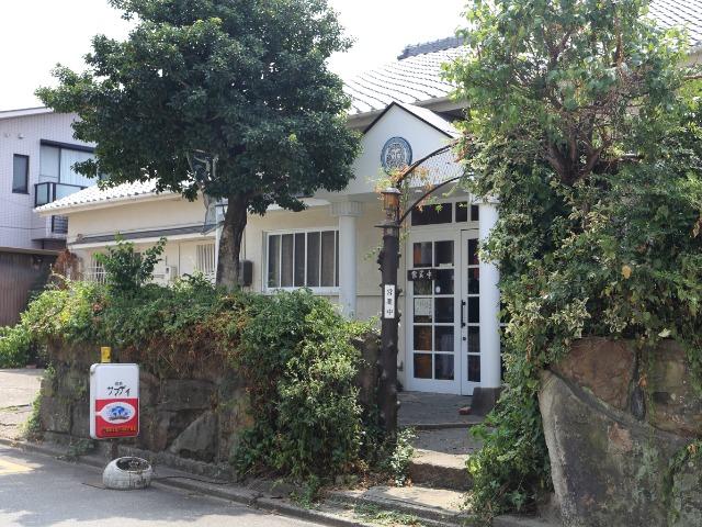 名古屋市内の住宅街にある「喫茶サマディ」。気さくな夫妻が経営している
