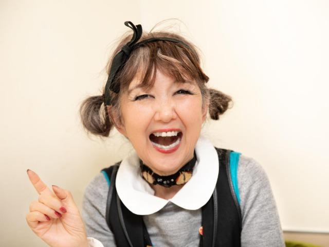 笑顔の田村セツコさん