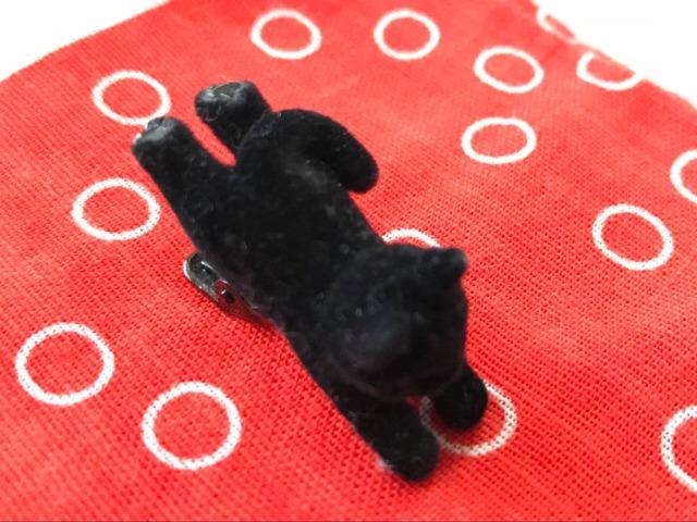 数年前に買った黒ネコのネクタイピン