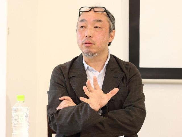著書『沖縄アンダーグラウンド』について語る藤井誠二さん