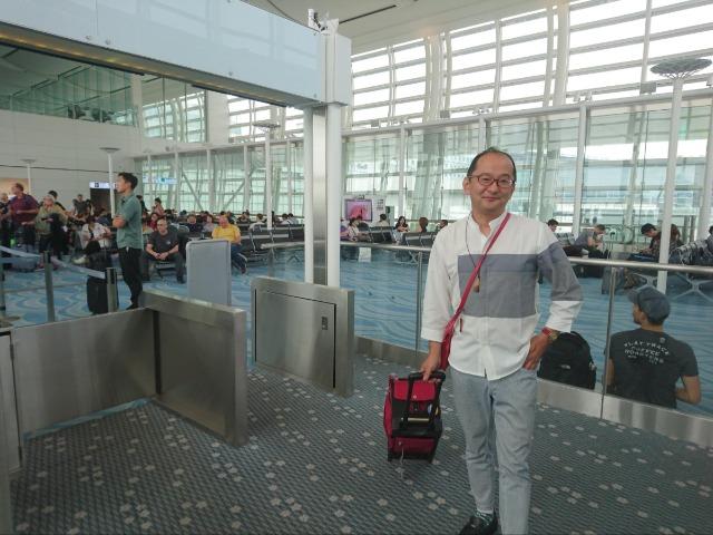 荷物は父が愛用していたZUCAひとつ。それも中身は着替えのみでスカスカで出発!