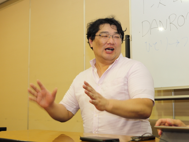 東日本大震災と取材について話すフリーライターの渋井哲也さん