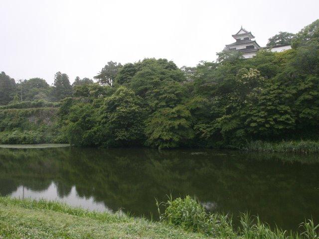 北側から眺めた小峰城の三重櫓(水滴が目立たなかった奇跡の一枚)