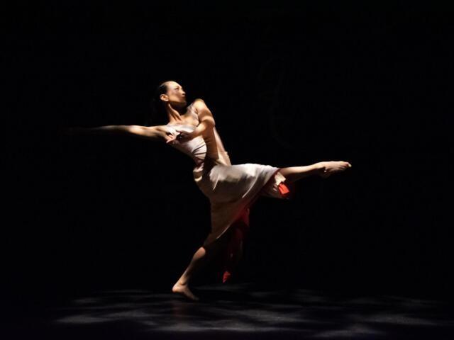 ダンスを披露する能塚由香さん(撮影・Andy Chiang)
