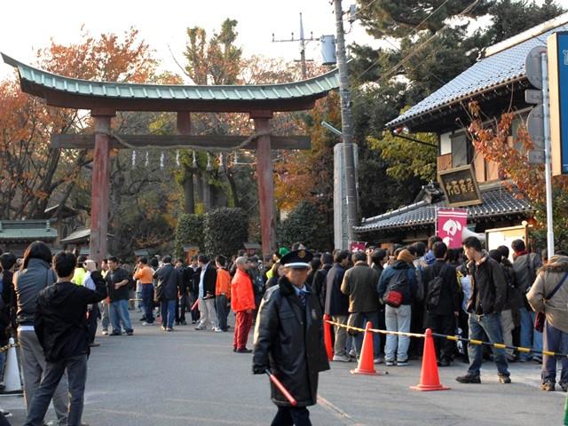 アニメ『らき☆すた』の聖地、埼玉県久喜市にある鷲宮神社。多くのファンがイベントに参加している