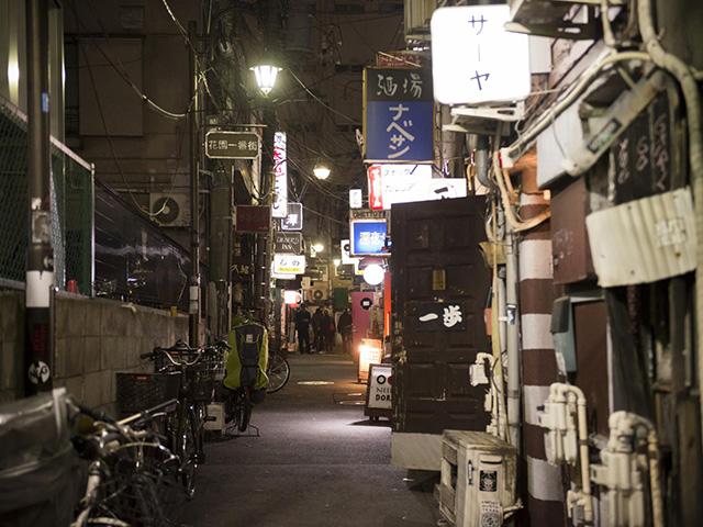 ゴールデン街にて(撮影・斎藤大輔)